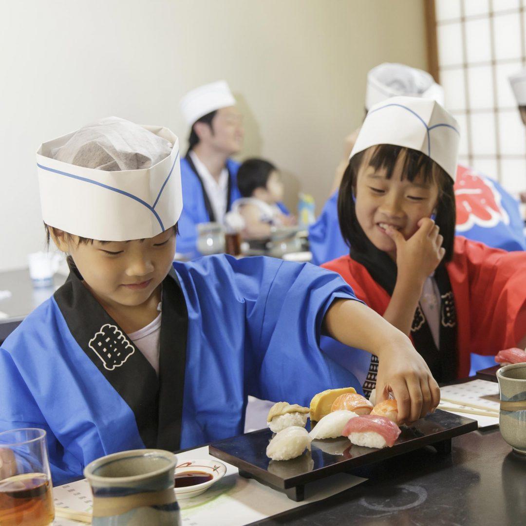 新湊で握る寿司